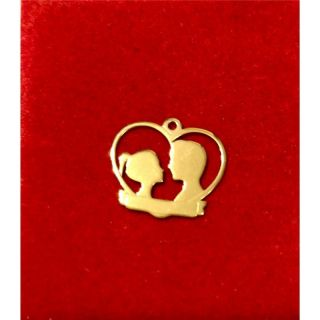 Martisor handmade placat cu aur 14K, inimioara miri, 1,5 cm
